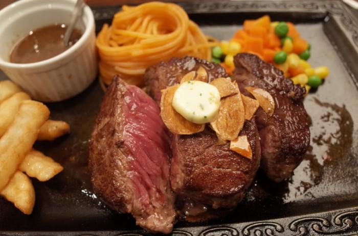 グラスステーキ定食|レストランカタヤマ