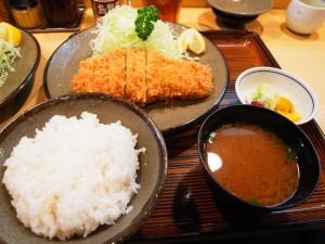 ロースカツ定食|銀座梅林