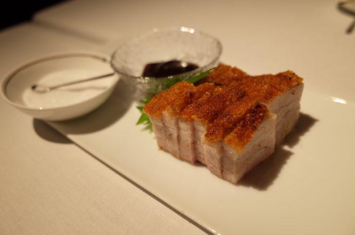 銀杏が黄色く色づく頃、上海蟹はピークを迎える
