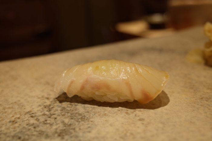 日本一予約が取れない寿司屋の進歩止まらず