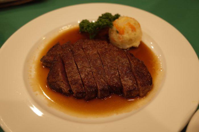 肉料理からスタートした老舗洋食店